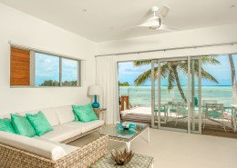 Crystal Blue Lagoon Luxury Villas, Cook Islands - Beachfront Villa Lounge