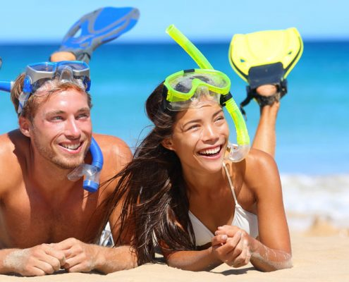 The Edgewater Resort & Spa, Cook Islands - Couple Snorkelling