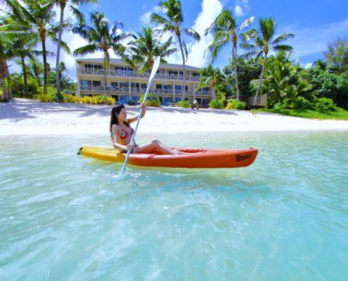 Moana Sands Beachfront Hotel & Villas, Cook Islands - Beach Outside Hotel