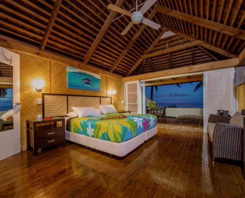 Palm Grove, Cook Islands - Beachfront Interior