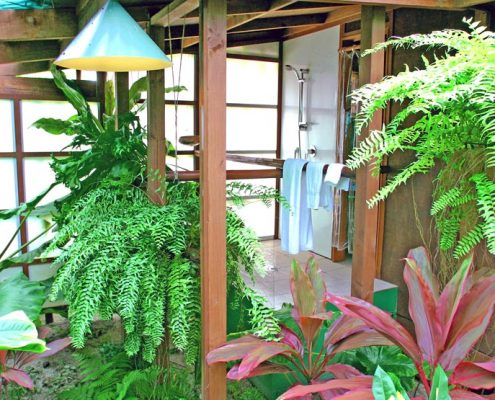 Rarotonga Beach Bungalows, Cook Islands - Tropical Shower