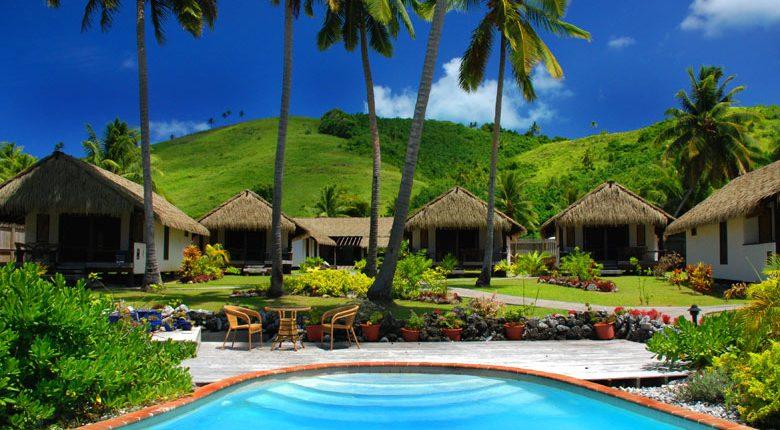 Tamanu Beach, Cook Islands - Pool & Rooms