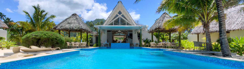 Little Polynesian Resort, Cook Islands - Pool & Restaurant
